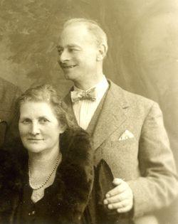 NANNY & GRANDPA