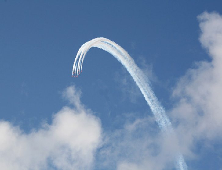 RED ARROWS DIVE