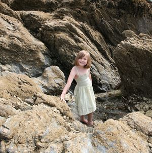 ROSIE ON ROCKS