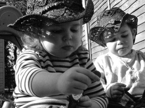 ROSIE & REUBEN IN THE GARDEN